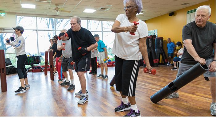 Tập luyện cường độ cao làm chậm tiến triển các triệu chứng vận động ở bệnh nhân Parkinson